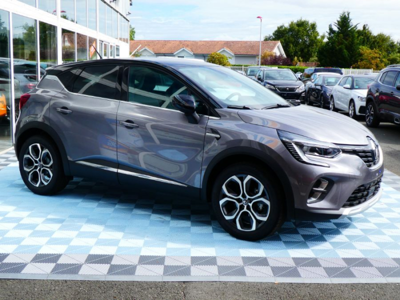 Photo 3 de l'offre de RENAULT CAPTUR II TCe 100 INTENS Full LED JA18 à 20750€ chez Mérignac auto
