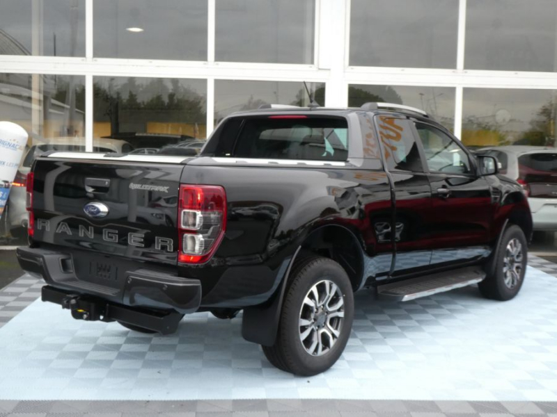 Photo 6 de l'offre de FORD RANGER SUPER CAB 2.0 TDCI 213 BVA10 4WD WILDTRAK Cover Pack Tech. à 39450€ chez Mérignac auto